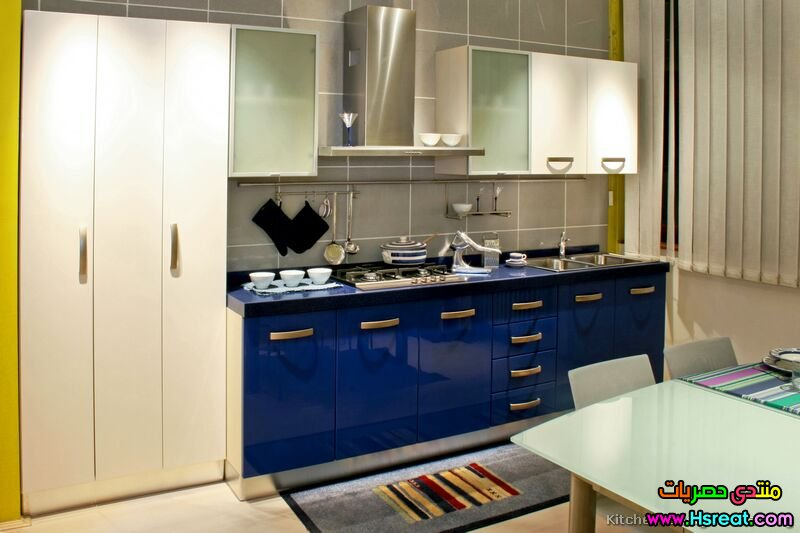 blue-kitchens-with-white-cabinets-l-99157df5caf7c822.jpg