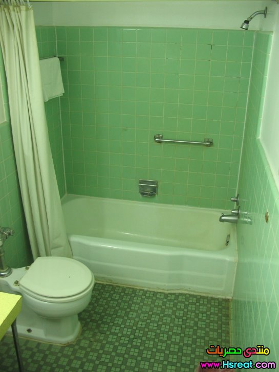 green-wall-paint-for-bathroom-plan.jpg