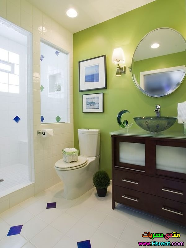 green-walls-small-bath.jpg
