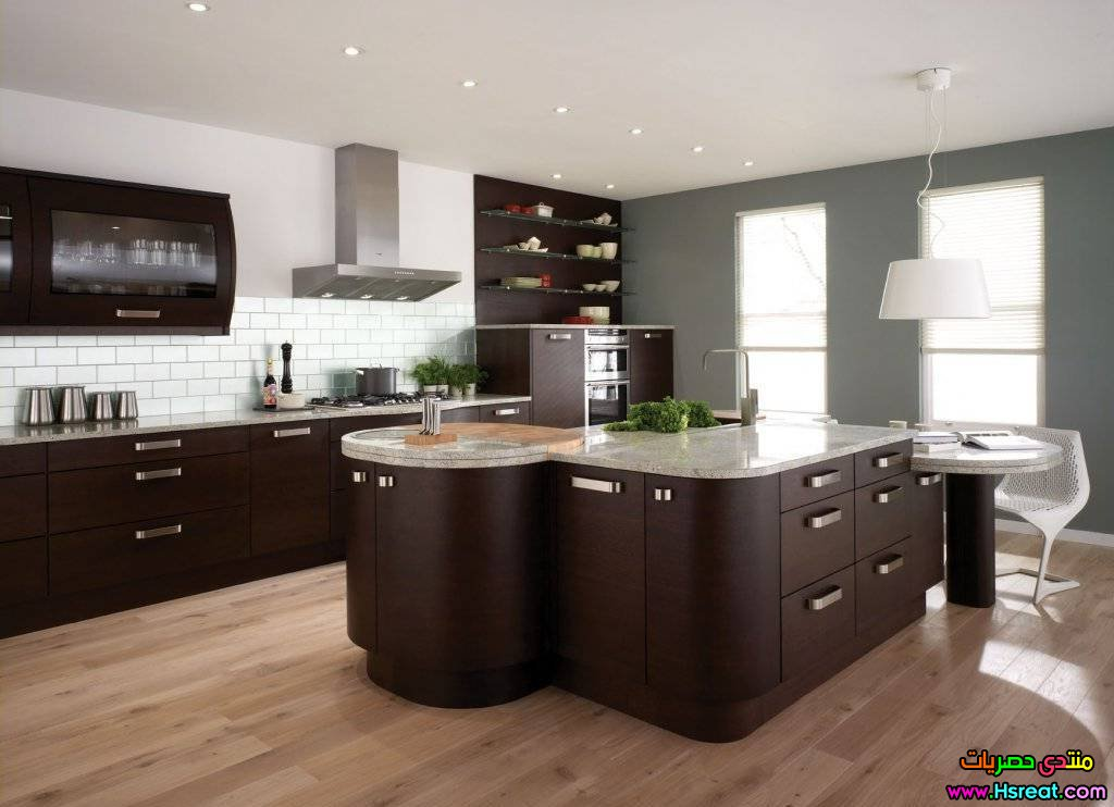 kitchen-brown-cabinets-lndihogt.jpg