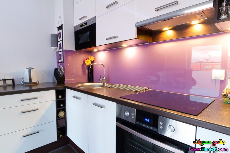Modern-white-and-purple-kitche-38622877-890x593.jpg