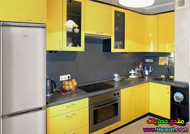 small-kitchen-remodeling-ideas-yellow-color-2.jpg