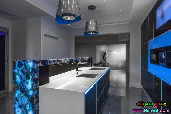 ultra-modern-black-and-blue-kitchen-2398.jpg